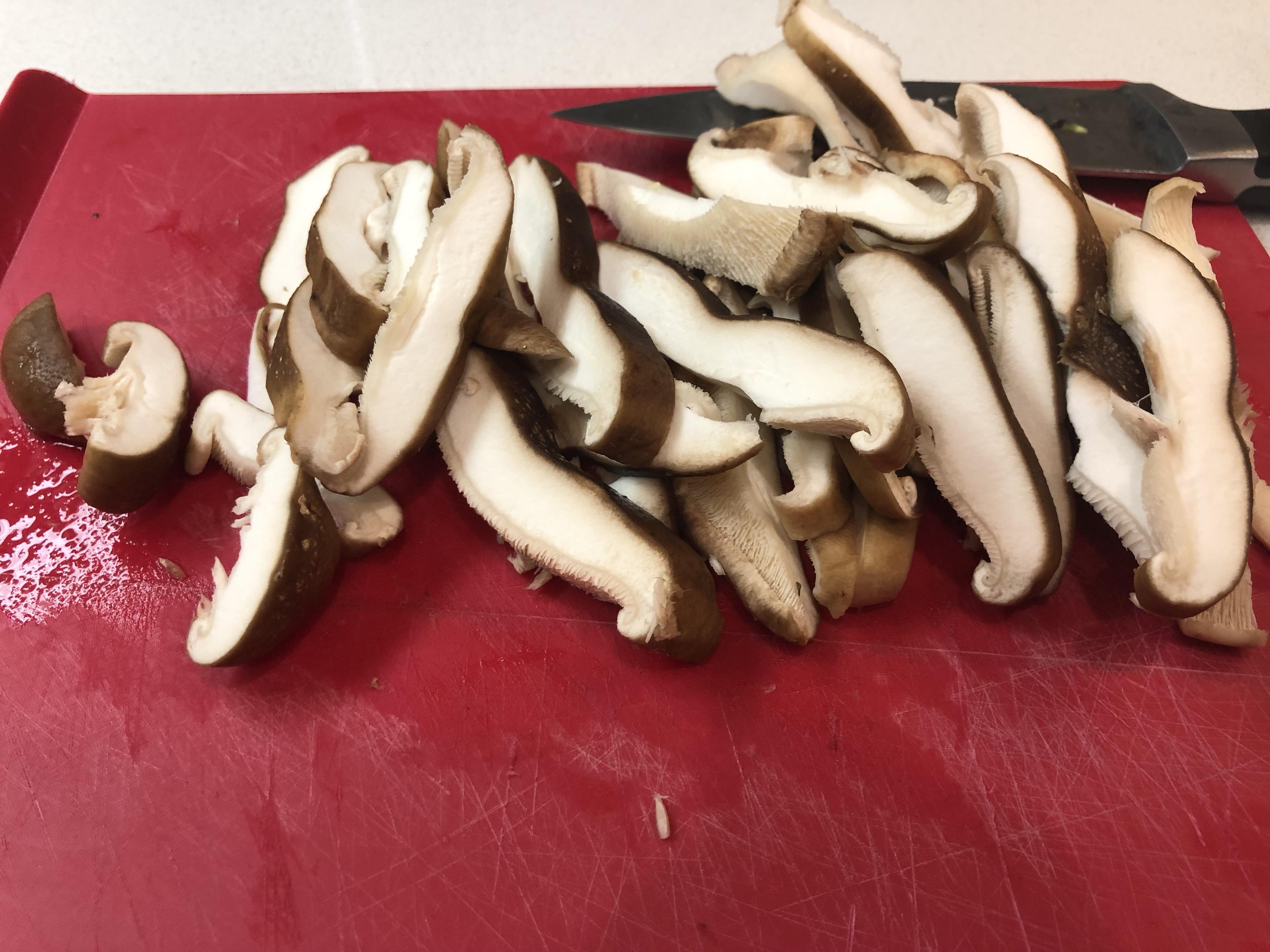 Sliced mushrooms are important